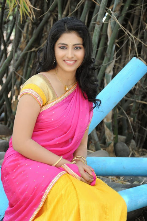 Kruthika jayakumar pink color half saree wallpaper