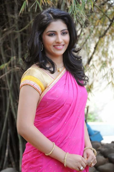 Kruthika jayakumar pink half saree desktop pictures