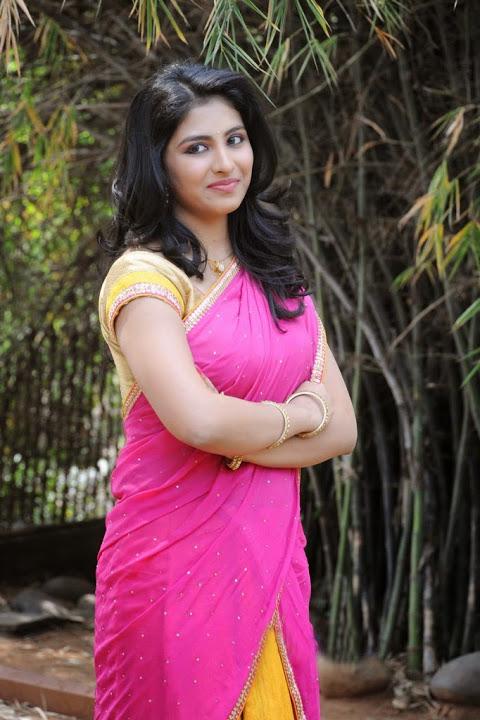Kruthika jayakumar pink half saree fashion wallpaper