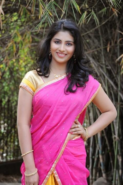 Kruthika jayakumar pink half saree interview image