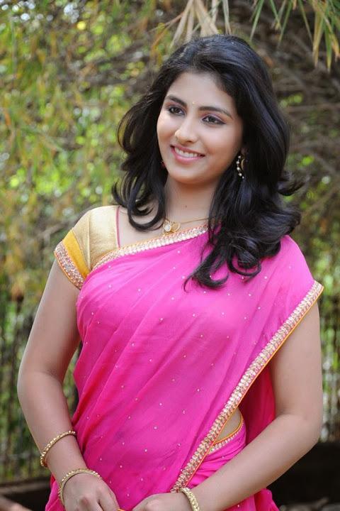 Kruthika jayakumar pink half saree movie promotion pics