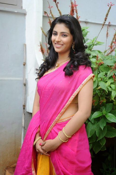 Kruthika jayakumar pink half saree photoshoot fotos