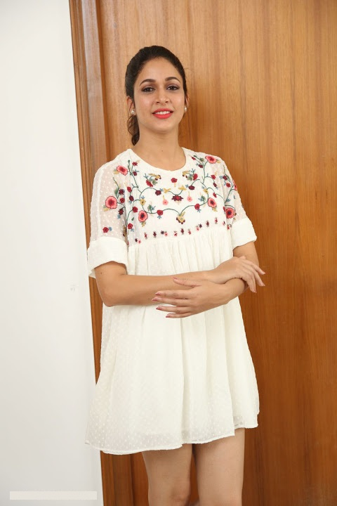 Lavanya tripathi white dress photoshoot fotos