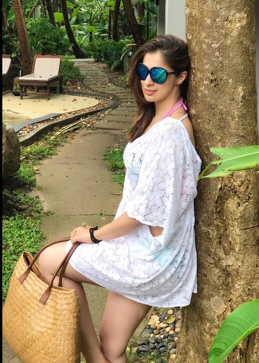 Laxmi rai hd white dress image
