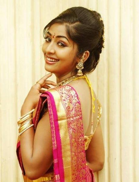 Navya nair saree makeup photos