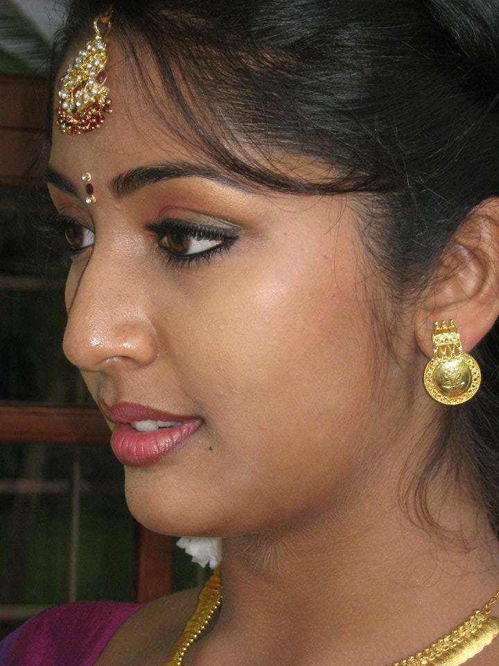 Navya nair side look pictures
