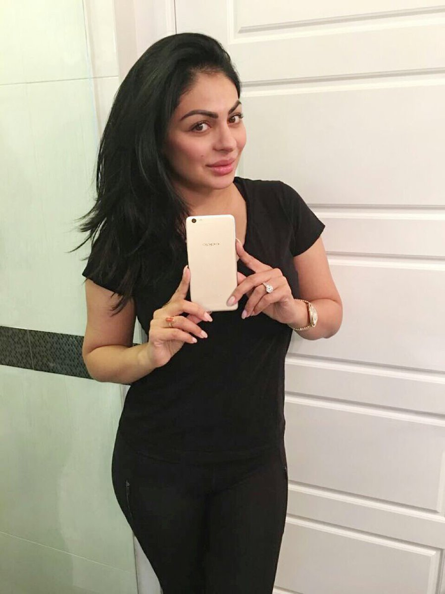 Neeru bajwa pictures