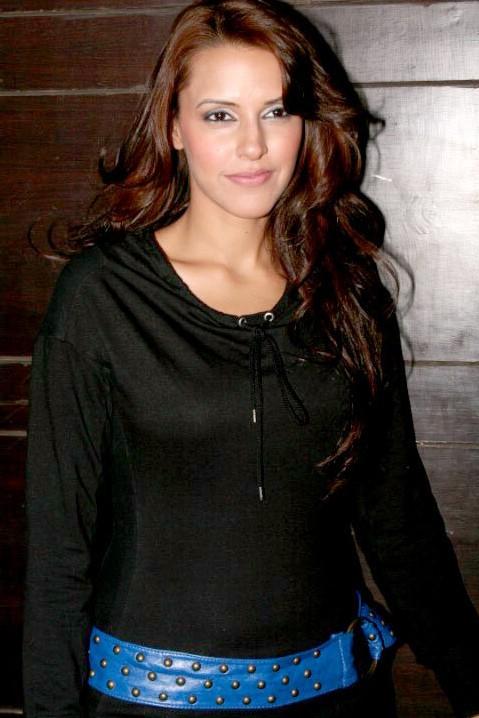 Neha dhupia black dress pics