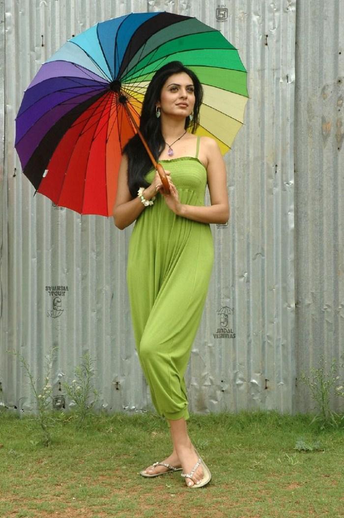 Niharika singh green dress photos
