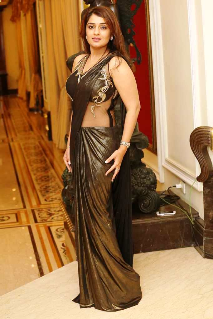Nikita thukral saree photos