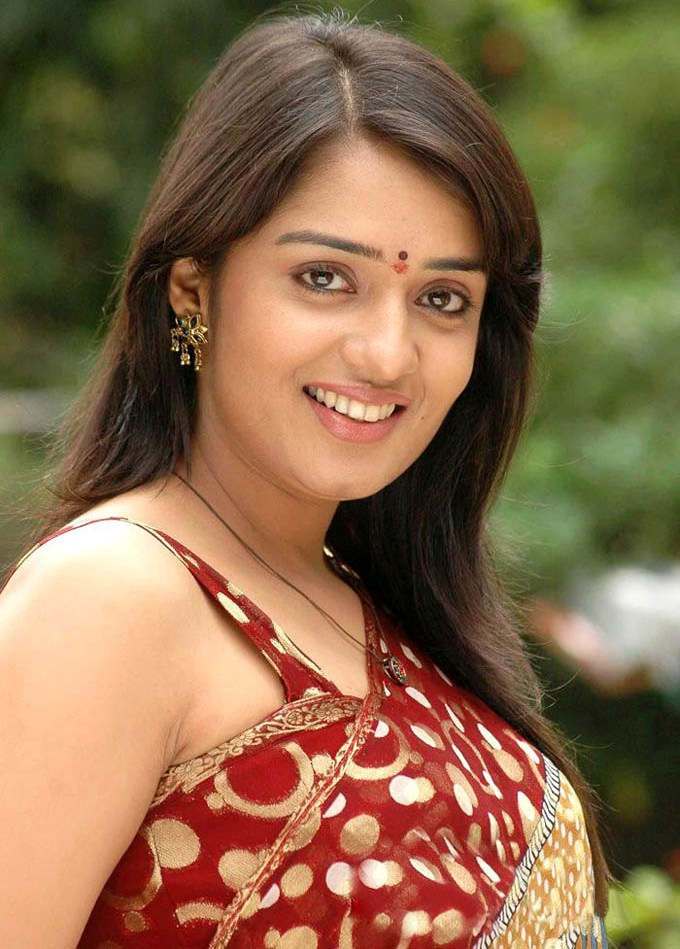 Nikita thukral smile photos