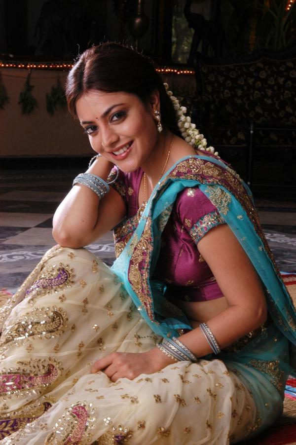 Nisha agarwal half saree wallpapers
