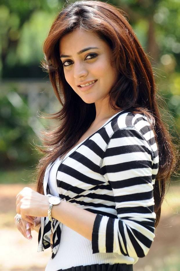 Nisha agarwal romantic pictures