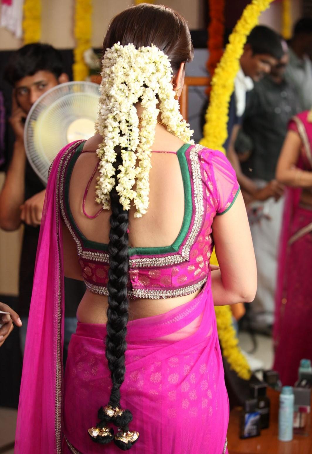 Nisha agarwal saree back side photos