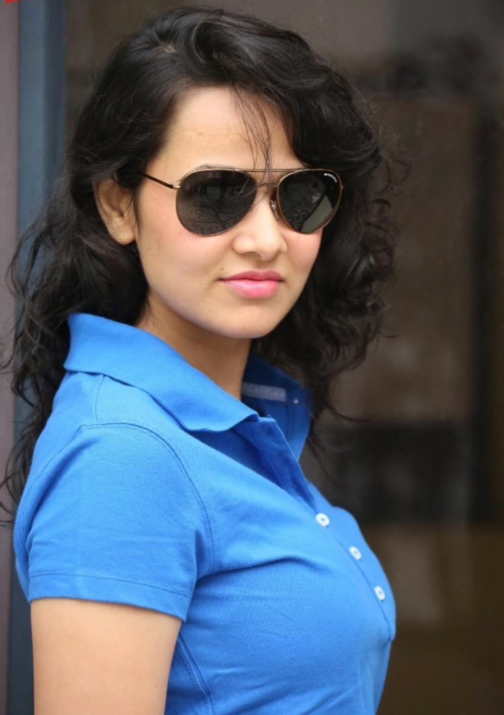 Nisha kothari beauty pictures