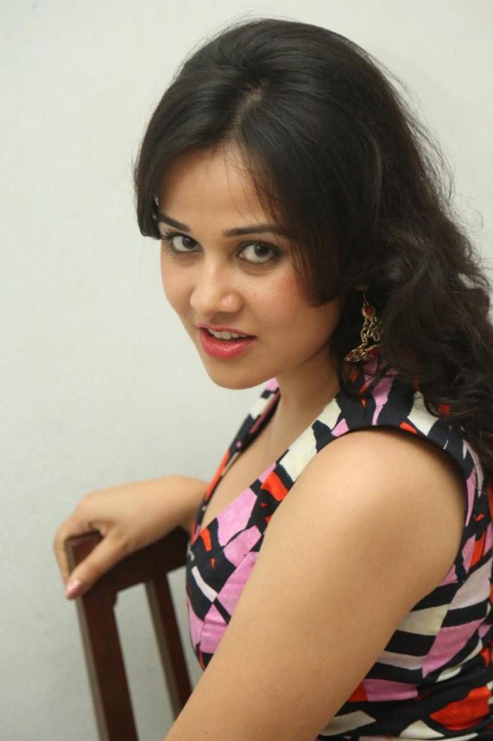 Nisha kothari pictures