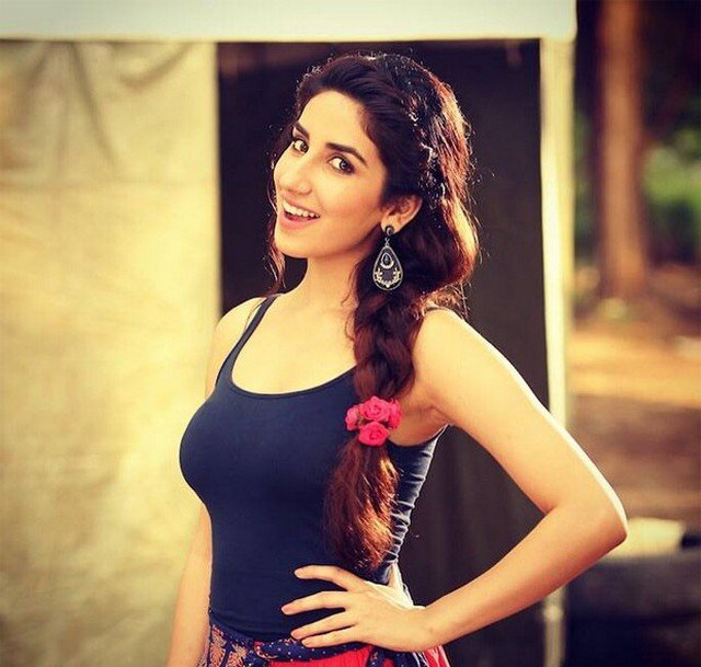 Parul gulati simle photos