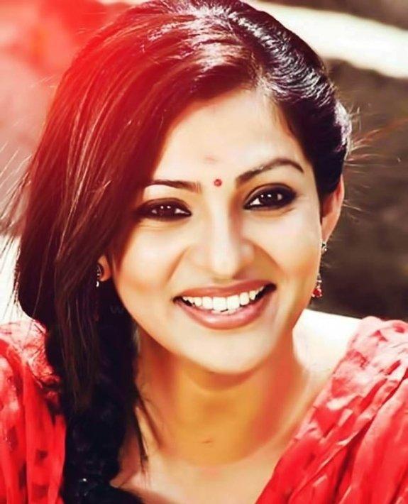 Parvati menon smile photos