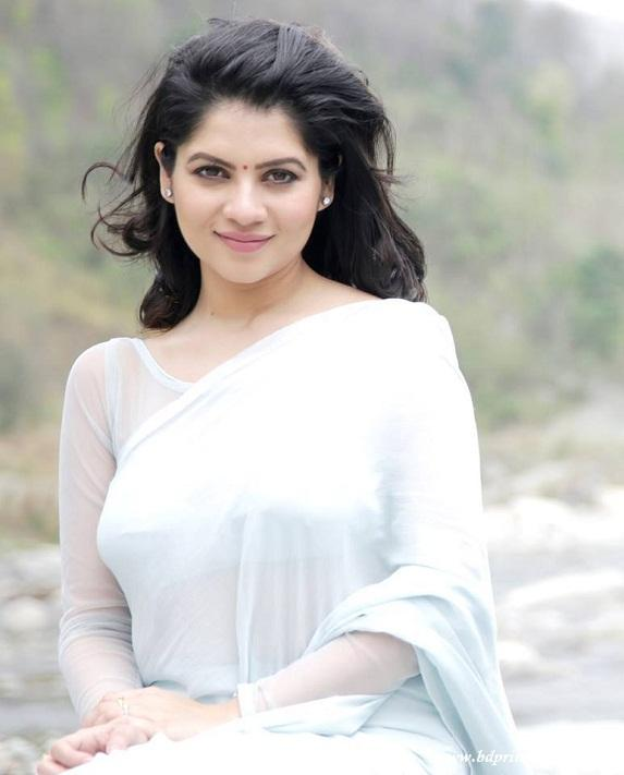 Payel sarkar saree photos