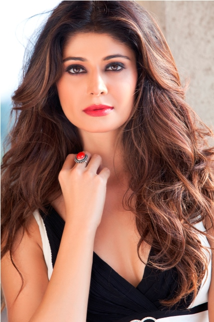 Pooja batra face pics