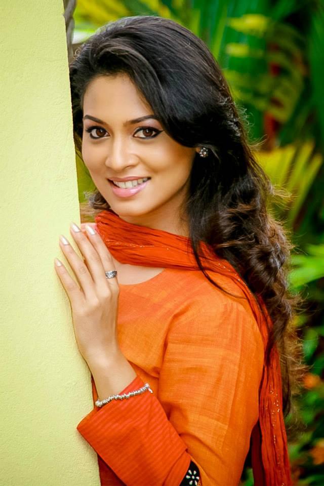 Pooja umashankar cute smile photos