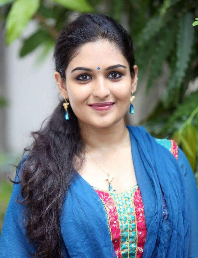 Prayaga martin face photos