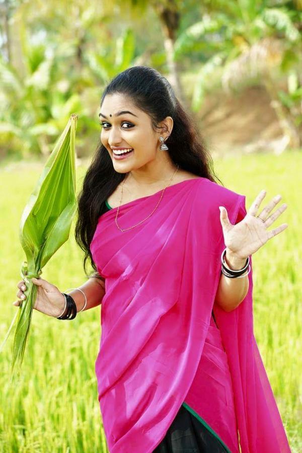 Prayaga martin saree photos