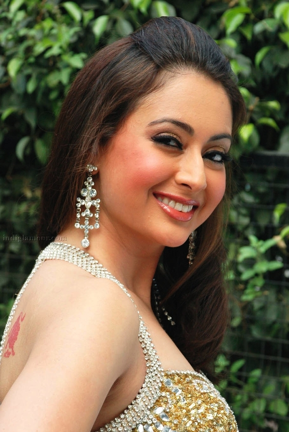 Preeti jhangiani cute smile photos