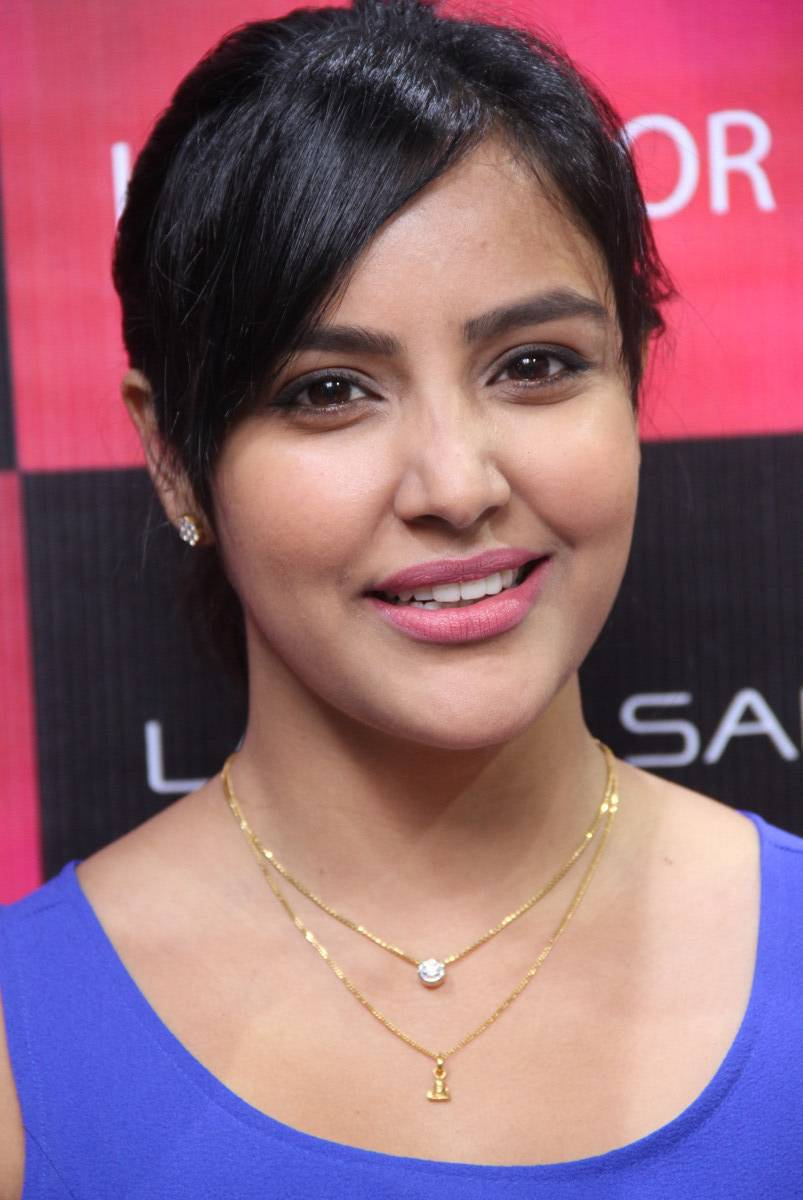 Priya anand lip photos