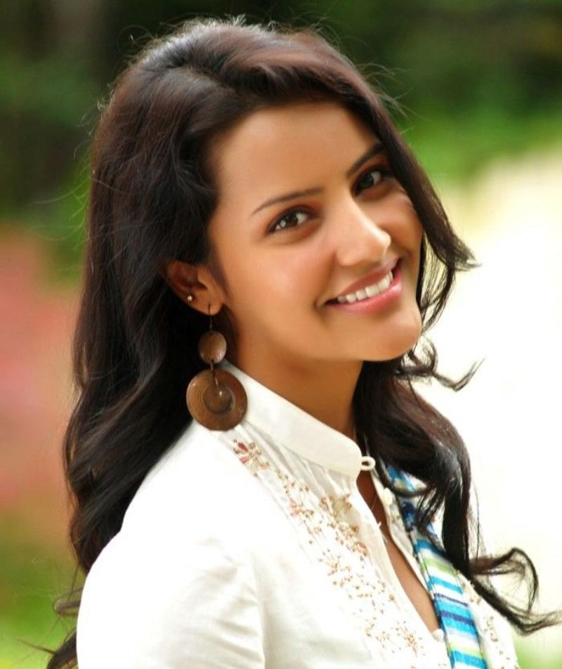Priya anand smile photos