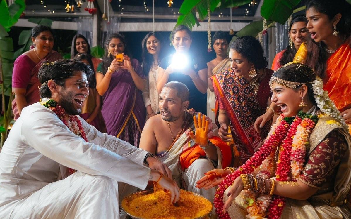 Today samantha naga chaitanya wedding smile pictures