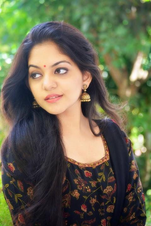 Ahaana krishna black dress pictures
