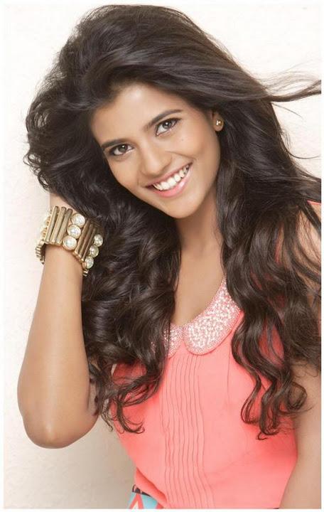 Aishwarya rajesh pink color dress photos