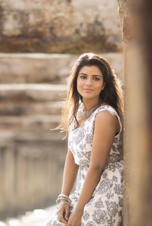 Aishwarya rajesh white dress wallpaper