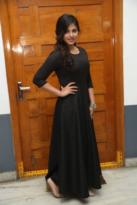 Anjali black dress hd stills