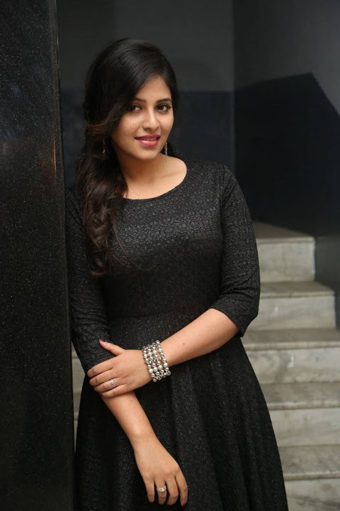 Anjali black dress photoshoot pics