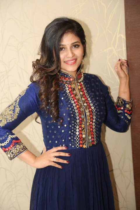 Anjali blue dress wide fotos
