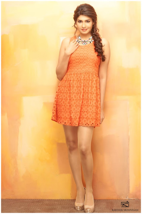 Anjena kirti orange color photos
