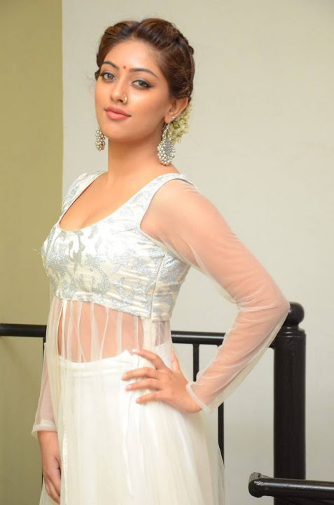 Anu emmanuel white dress filmfare awards wallpaper