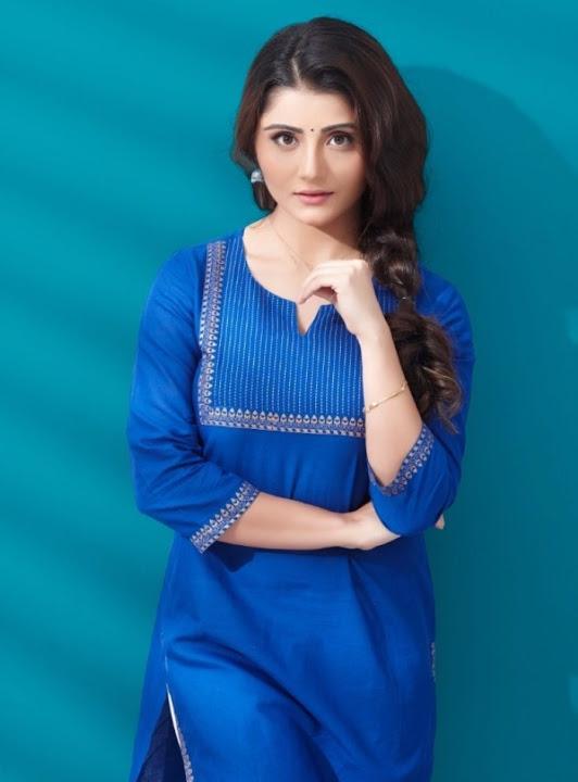 Aqsa bhatt blue dress churidar pictures