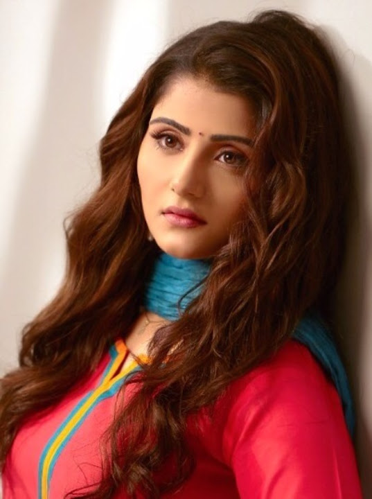 Aqsa bhatt red dress pictures