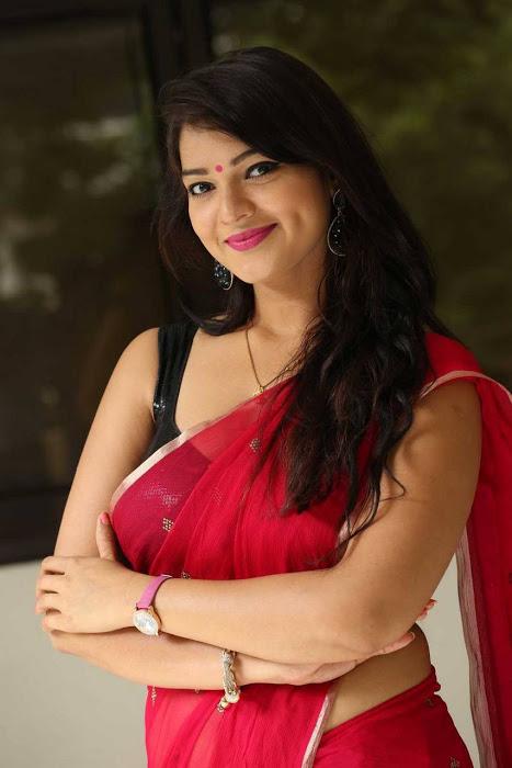 Ashwini red saree desktop fotos