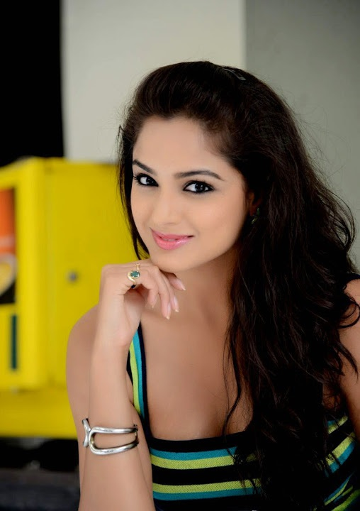 Asmita sood hot desktop photos