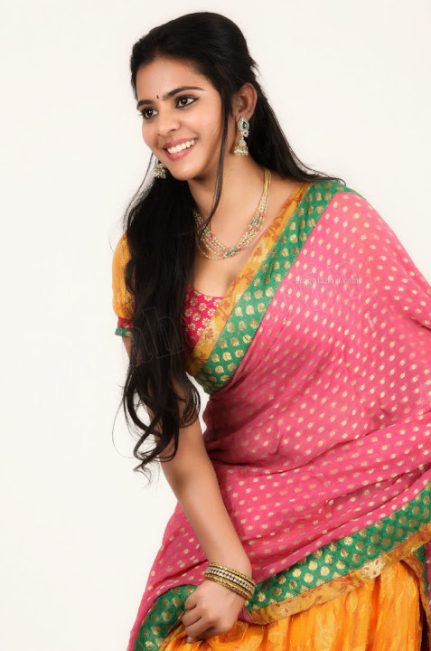 Manasa himavarsha pink saree hot hd picures