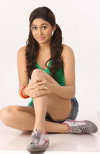 Manisha yadav green dress hd pictures