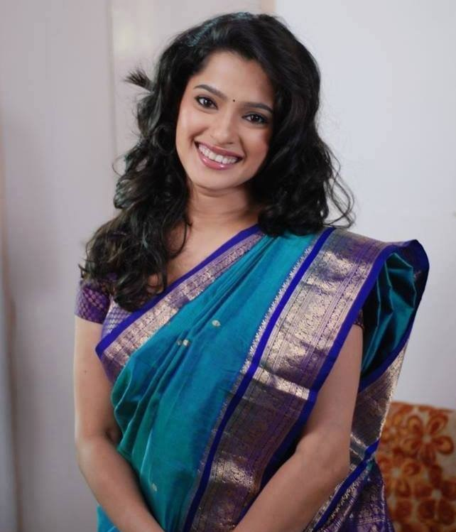 Priya bapat blue saree photos