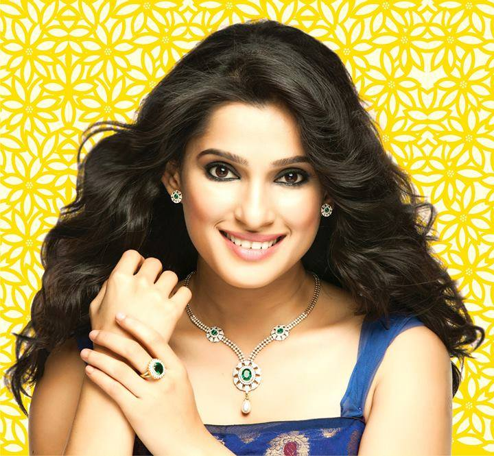Priya bapat face wallpapers