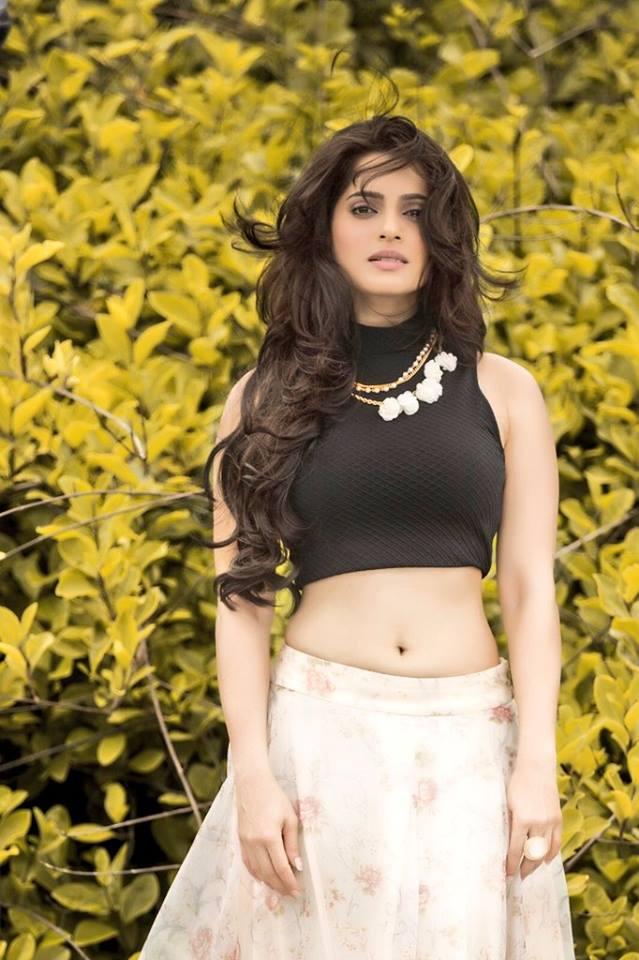 Priya bapat pictures