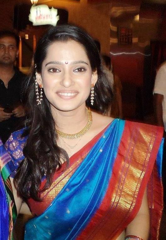 Priya bapat saree smile photos