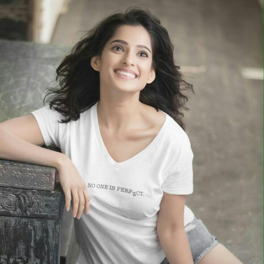 Priya bapat smile photos